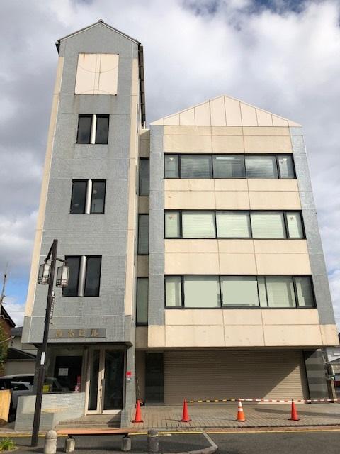 近江八幡市 JR近江八幡駅徒歩4分 約61坪事務所テナント 駐車場複数あり♪