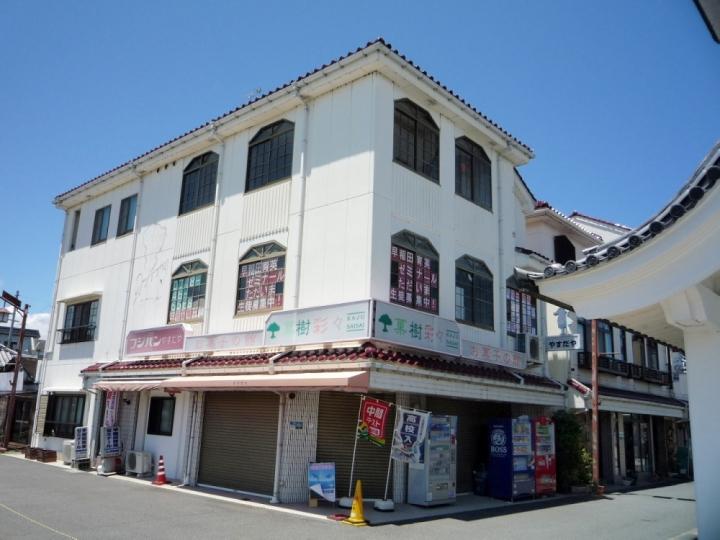 近江八幡市安土エリア、JR安土駅徒歩1分、3階事務所向きテナント。