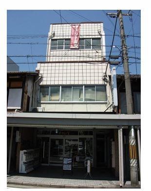 大津市 JR大津駅徒歩5分 商店街沿い、オフィスビル3階約6坪テナント