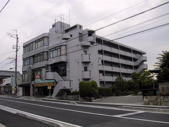 大津市 JR瀬田駅徒歩11分 瀬田学園通り沿い2F事務所向けテナント