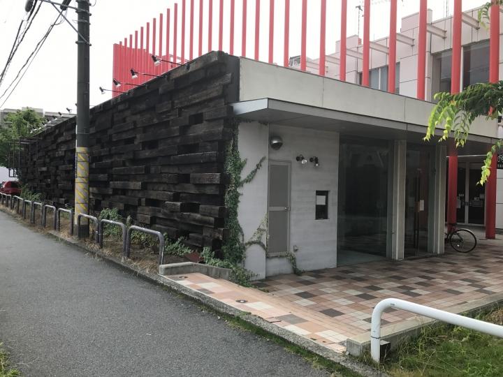草津市野路 JR南草津駅徒歩10分、飲食店の居抜き物件。広さ約70坪の単独店舗です。