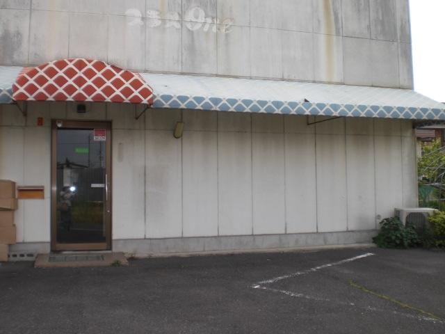 野洲市小南 倉庫事務所向き住居付テナント、駐車5台可