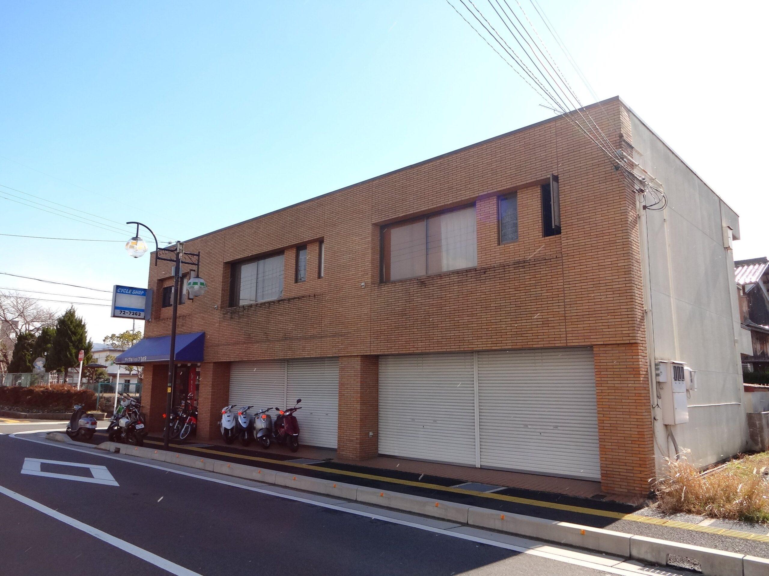 湖南市 JR草津線甲西駅徒歩10分 カルチャー通り沿い貸店舗