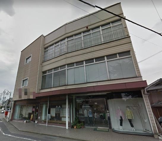 野洲市 JR野洲駅徒歩12分、1階約22坪テナント、駐車場3台可。