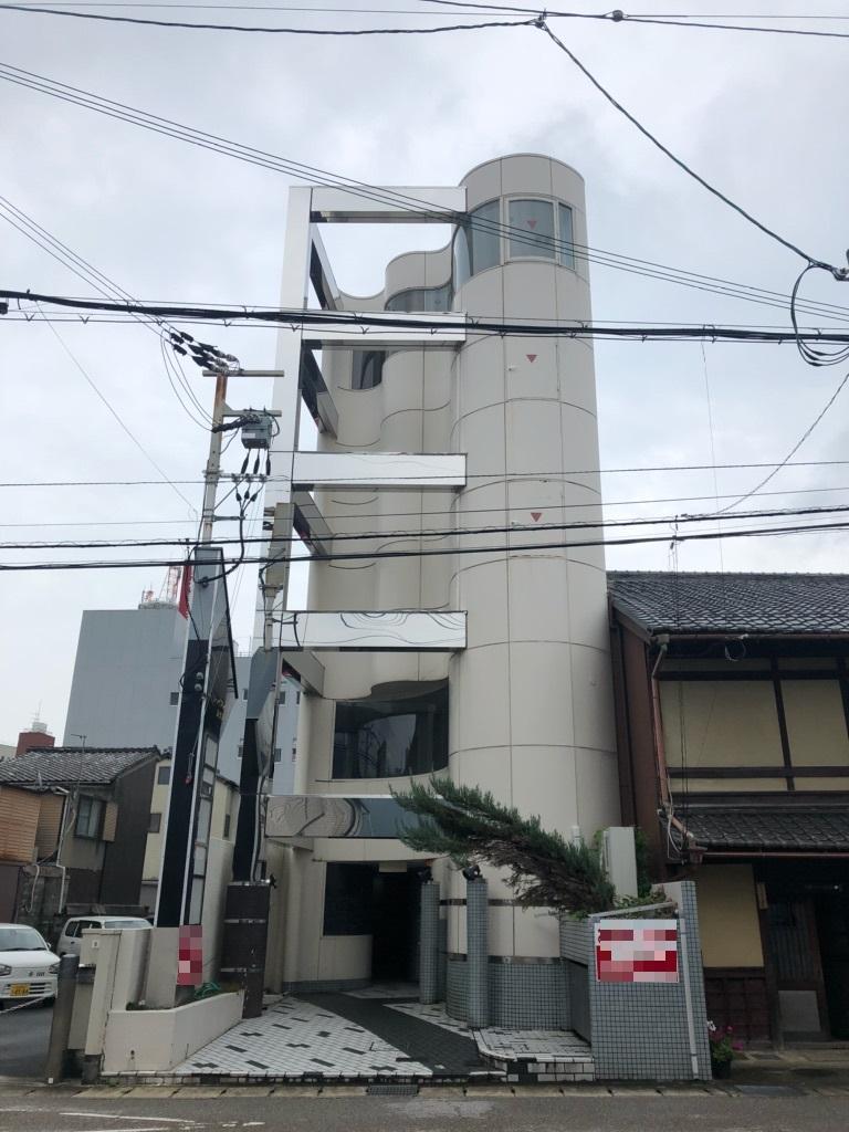 大津市テナント。京阪びわ湖浜大津駅徒歩4分、飲食ビル、スナック居抜き3階テナント。