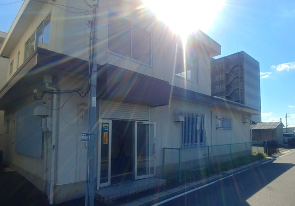 栗東市 JR栗東駅徒歩12分、倉庫付事務所約52坪テナント
