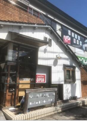 草津市 JR草津駅徒歩20分 びわこ通り沿い1F約16坪居抜きテナント☆