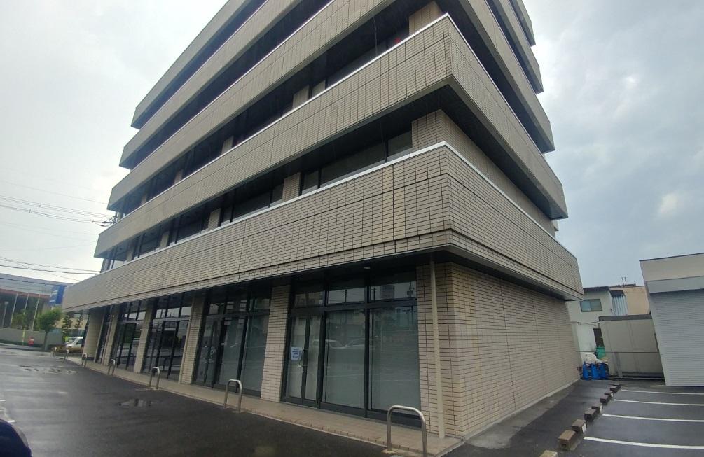 栗東市 交差点角のオフィスビル3F約73坪 大型オフィステナント