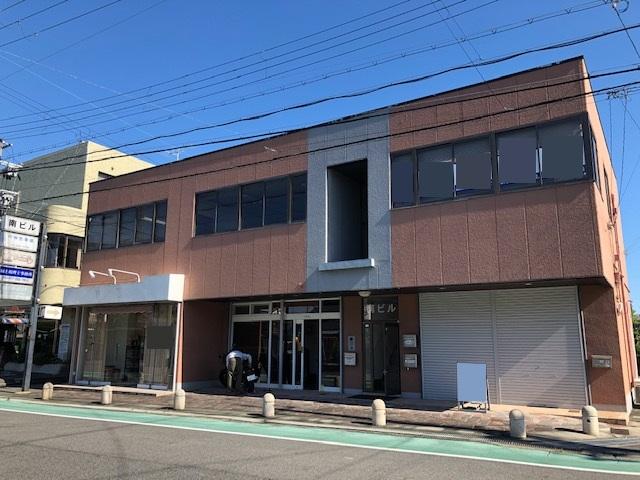 守山市 市役所前通り沿い 1階約12坪テナント、駐車場、シャッターあり