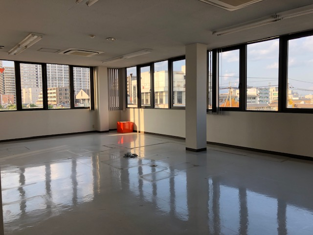 草津市 JR草津駅徒歩10分、3階約18坪事務所テナント