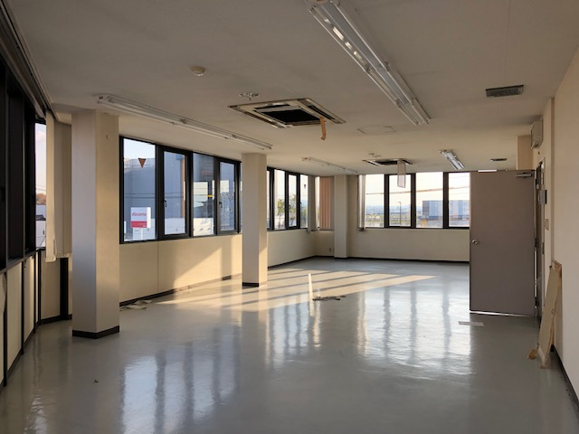 草津市 JR草津駅徒歩10分、3階約23坪事務所テナント