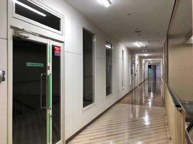 守山市 JR守山駅徒歩1分 商業施設内2F約14坪テナント
