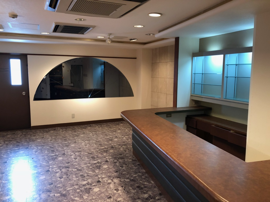 大津市 京阪びわ湖浜大津駅徒歩4分、スナック居抜飲食ビル3階テナント