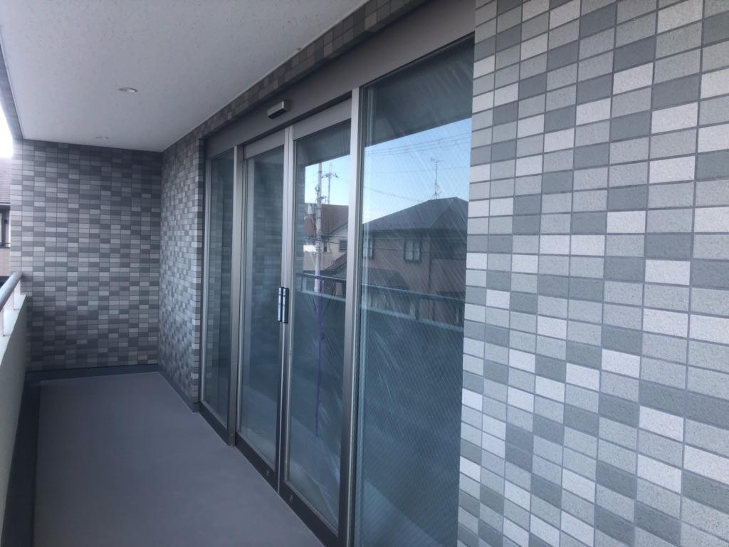 大津市 瀬田エリア浜街道沿い、築浅2階約23坪店舗テナント 軽飲食可能