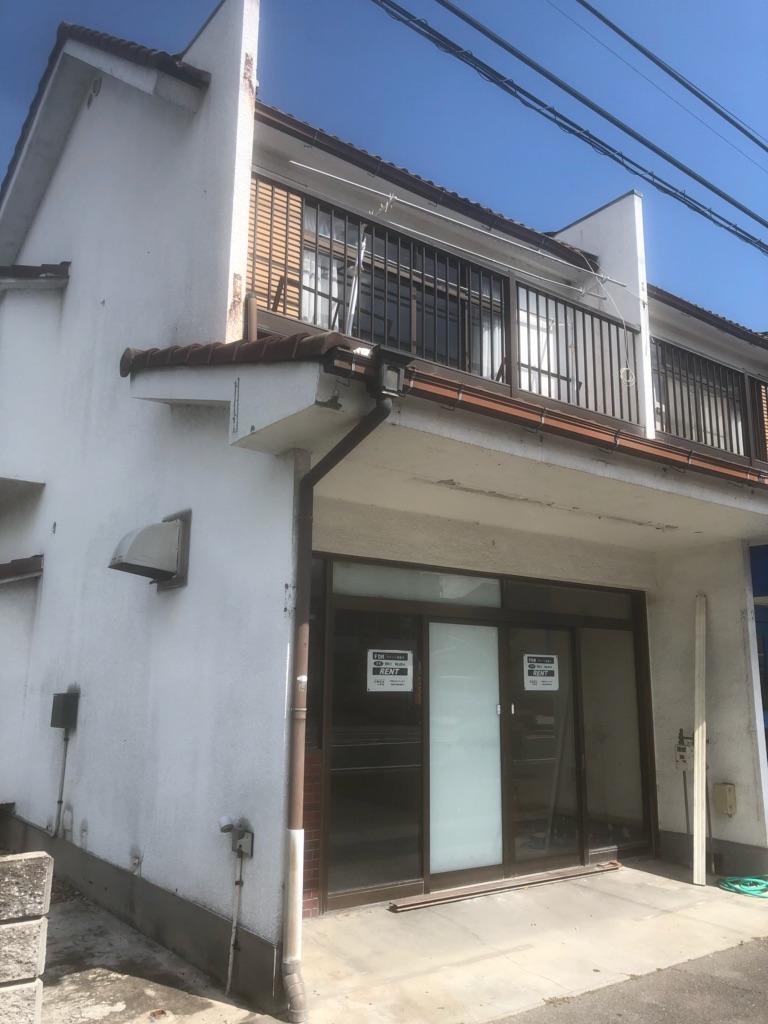 栗東市 JR栗東駅徒歩11分! 軽・重飲食可能な2階建てテナント。店舗付住宅としても使用可能。来客用駐車場有♪