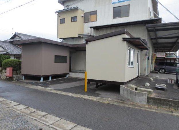 守山市石田町 県道147号線に面する、プレハブ倉庫付き事務所 約6坪
