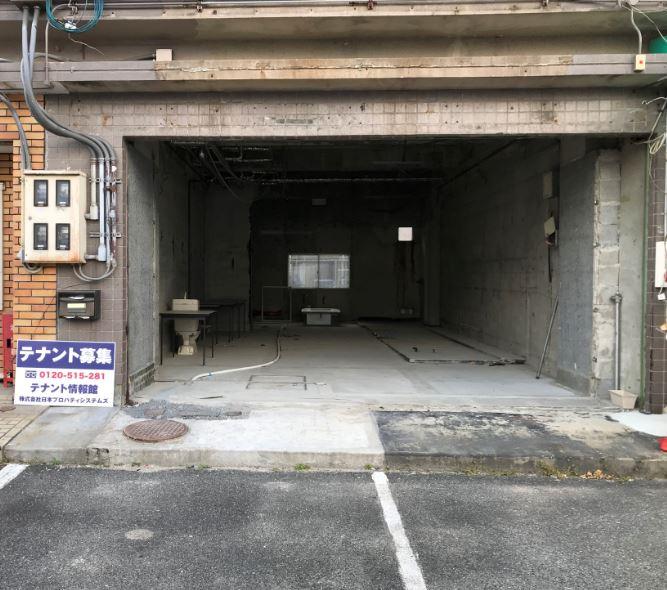 大津市唐崎テナント 161号線沿い1階約17坪店舗、駐車4台分込みです。引渡状態相談