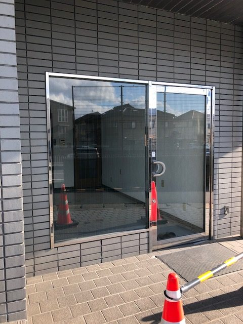 草津市 JR南草津駅徒歩15分 国道に面した1階約4坪事務所向きテナント エアコン新品