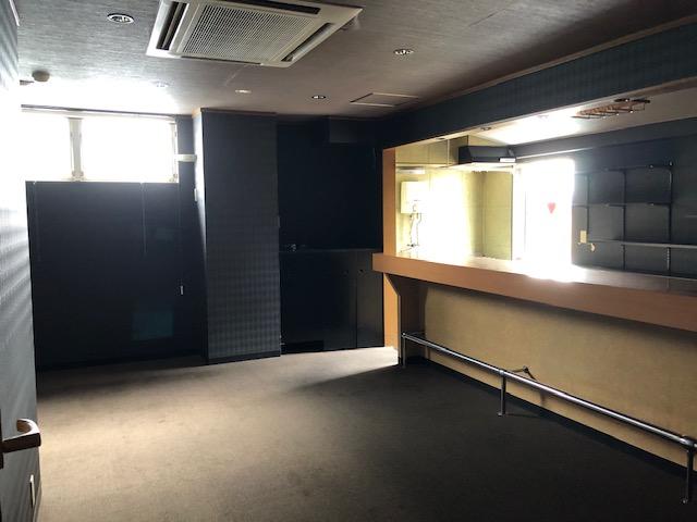 大津市 JR瀬田駅徒歩3分 スナック居抜き4階約11坪テナント