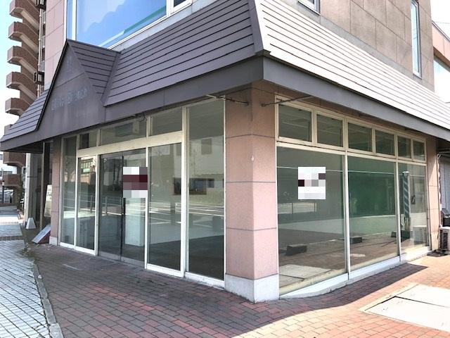 栗東市 JR草津線手原駅徒歩6分 1F約16坪テナント スーパーの前です!!